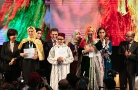 """المغرب يتوج الطالبة """"فاطمة الزهراء"""" بطلة لتحدي القراءة العربي على مستوى المملكة"""
