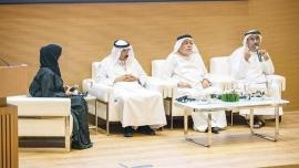 ندوة معرض الكتاب الإماراتي بمشاركة المر والعميمي والصايغ تناقش : دور الصحافة الثقافية في مسيرة تطور الأدب الإماراتي