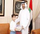 وزير التربية يكرم أصغر طالب كاتب للقصة