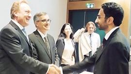 الخميري أول إماراتي يحصل على الدكتوراه بالتنمية المستدامة