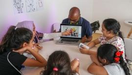 مهرجان الشارقة القرائي للطفل يروي لزواره تاريخ القصص المصورة