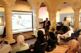 """مركز جمعة الماجد يسلط الضوء على """"فن التجليد العربي الإسلامي """""""