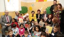 """""""كلمات لتمكين الأطفال"""" تقدّم 2000 كتاب جديد لمكتبات إيطاليا"""