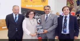 بعثة دولة الإمارات في جنيف تدعم كتاباً عن تعزيز السلام في العالم
